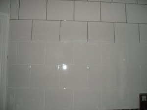 Recoloured grout from grey to white